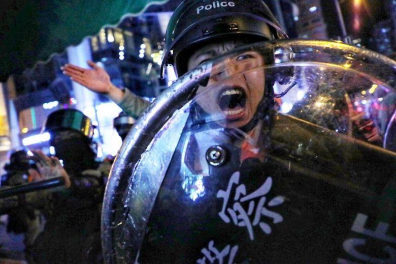 mong kok police december 25