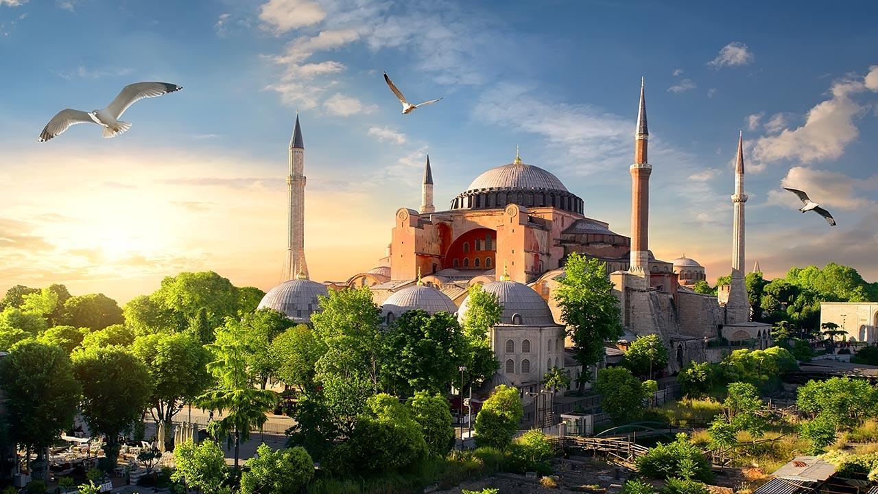 Hagia-Sophia-Istanbul-Turkey-HNHTravel