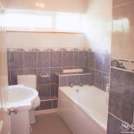 2 manorcombe bathroom