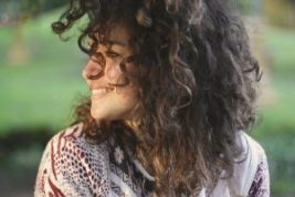 Mit einem Lächeln in den Tag durch Morgenrituale