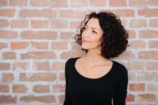 Honigperlen - die Autorin des Blogs Melanie lächelt