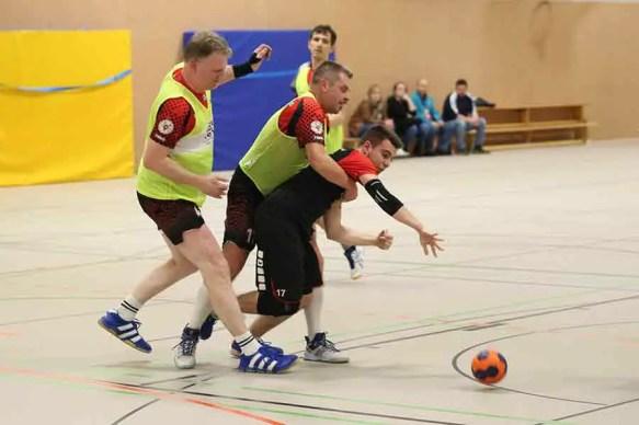 TVE gegen Niederpleis 1 - Klasse, Jungs! Handballer auf dem Weg Richtung Aufstieg