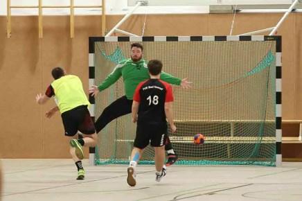 TVE gegen Niederpleis 14 - Klasse, Jungs! Handballer auf dem Weg Richtung Aufstieg