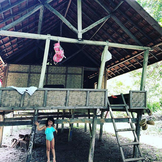 スンバワ島な北に位置する350km2のモヨ島。モヨ島にHoliday に行くと言うとAman Nawaに滞在と思われる、、、現実はこちらこ小屋です。
