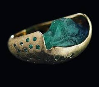 Honoka Kawazoe hand crafted raw emerald jewelry