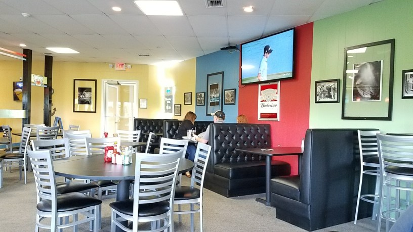 Plenty of TVs around El Faro so you can keep up on the latest sporting events.