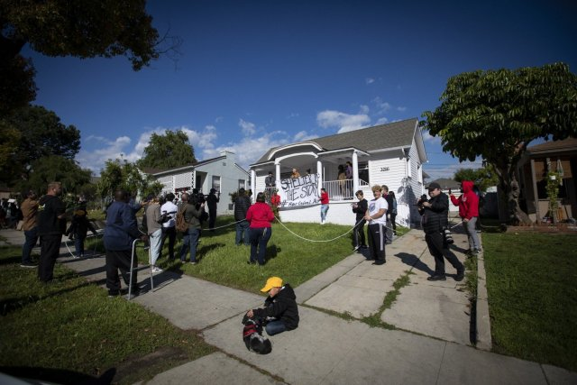 Homeless Families in Los Angeles Seize Housing, Announce Plan to Seize More Properties In Future