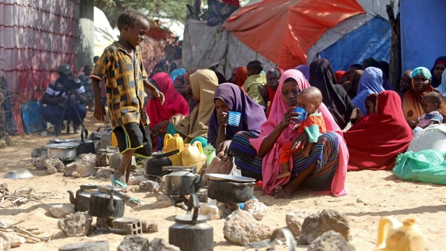 Somali women and children in a market.