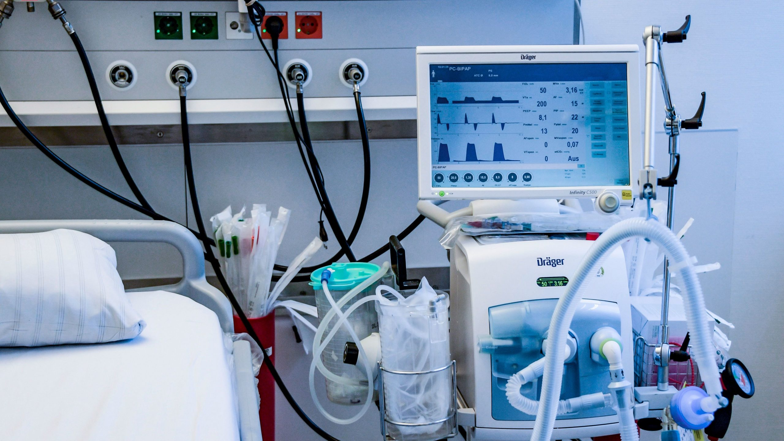 A picture of a ventilator in the a hospital.
