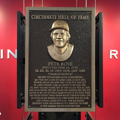 Pete Rose got into one Hall of Fame ... will he ever get into the big one?
