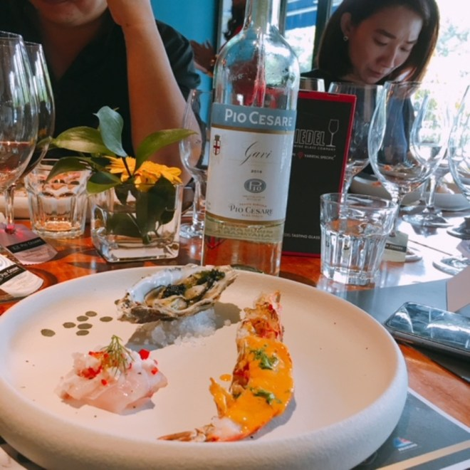 Torched Fine Oyster, Grilled Scampi & Snapper Ceviche with Gavi DOCG 2016, a lovely white