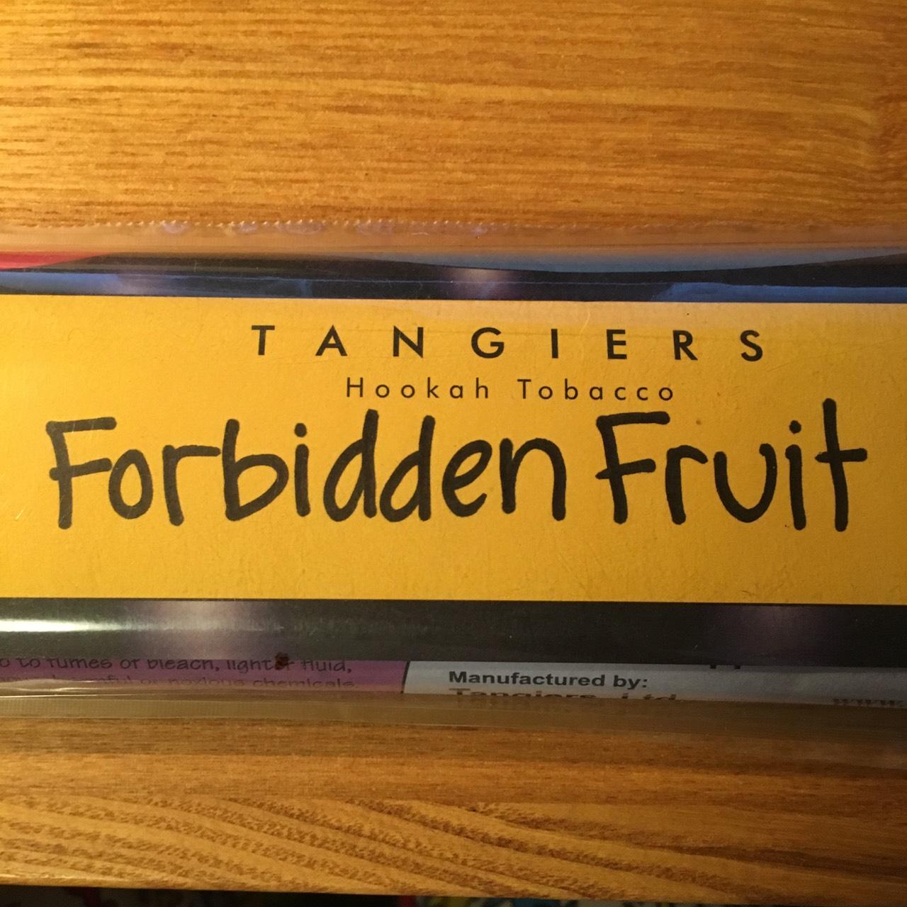 Tangiers Noir / Forbidden Fruit(皮を剥かずに切ったリンゴといった香り、序盤のみ少し洋ナシっぽい香り)