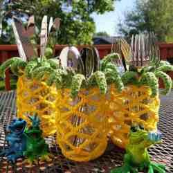 Free Crochet Pattern Pineapple Mason Jar Cover | Hooked by Kati