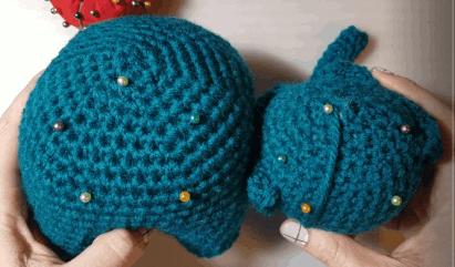 Elephants In Love | Free Crochet Pattern | Hooked by Kati | 241x411