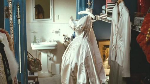 https://i2.wp.com/hookedonhouses.net/wp-content/uploads/2009/09/carries-closet-wedding-gown-511x288.jpg