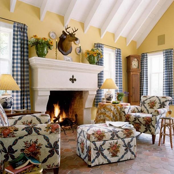 Amundsen Kitchen Hearth Room: Designer Suzy Stout's French Country Farmhouse In Illinois