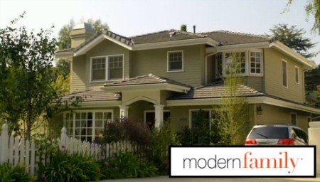 Phil and Claire Dunphy s  Modern Family  House For Sale Modern Family Dunphy House For Sale