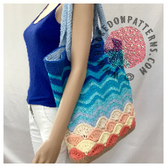 Sea Shells Beach Bag Crochet Pattern - A large crocheted tote bag with a sand, sea, and shells effect design.