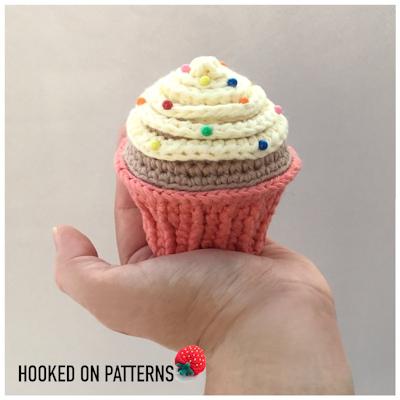 Free Cupcake Pin Cushion Crochet Pattern Hooked On Patterns