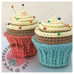 Free Cupcake Pin Cushion Crochet Pattern