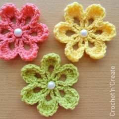 Small Flower Applique Free Crochet Pattern