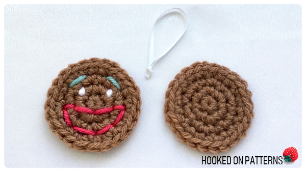 Free Gingerbread Smilies Christmas Ornament Crochet Pattern - Hanging Loop and 2 pieces