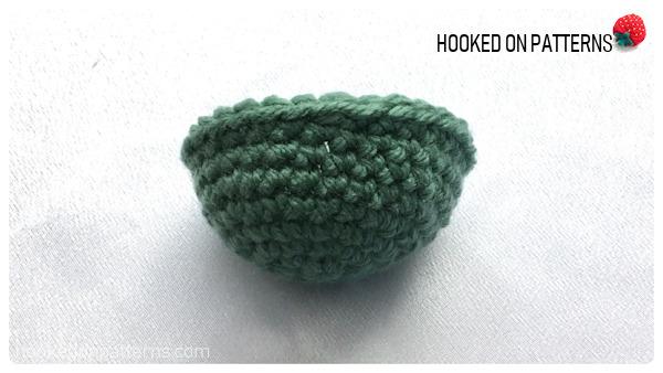 Free Crochet Snowman Baubles Pattern - Hat