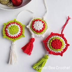 Vintage Noel Ornament Free Crochet Pattern