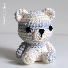 Peyton the Polar Bear Free Crochet Pattern