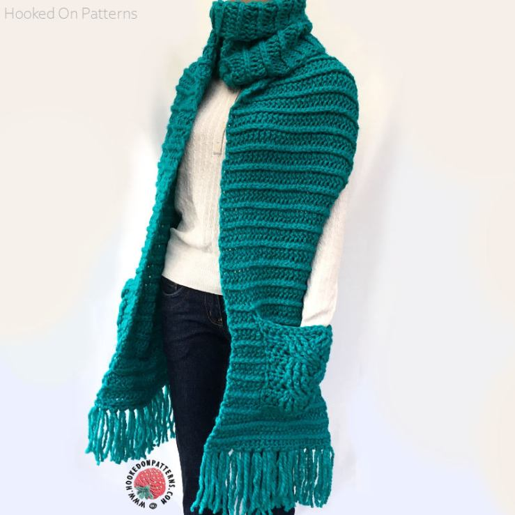 Chunky Pocket Scarf Free Crochet Pattern