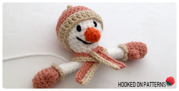 Free Snowman Lovey Crochet Pattern - Attaching the scarf