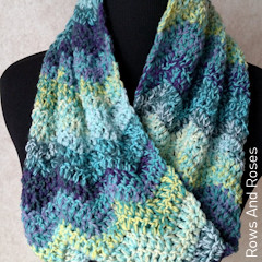 Thumbnail image of the Felici On The Double Cowl free crochet pattern