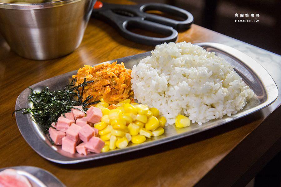 兩餐 高雄 韓國年糕火鍋吃到飽 製作炒飯