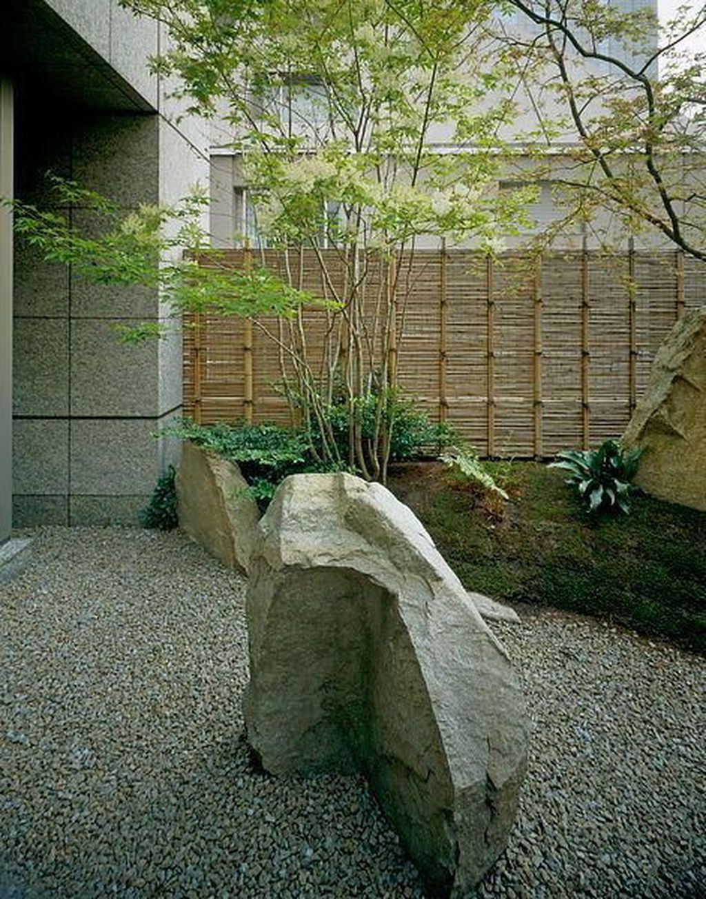 Beautiful Modern Rock Garden Ideas For Backyard Landscaping 08
