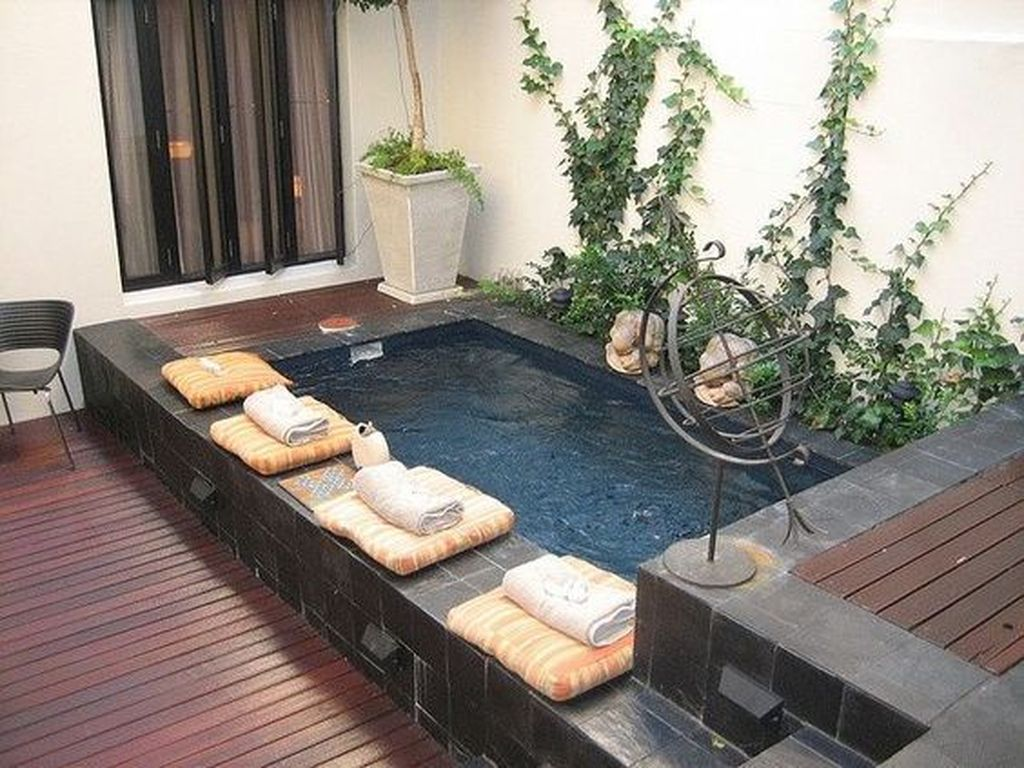 Lovely Small Swimming Pool Design Ideas On A Budget 32
