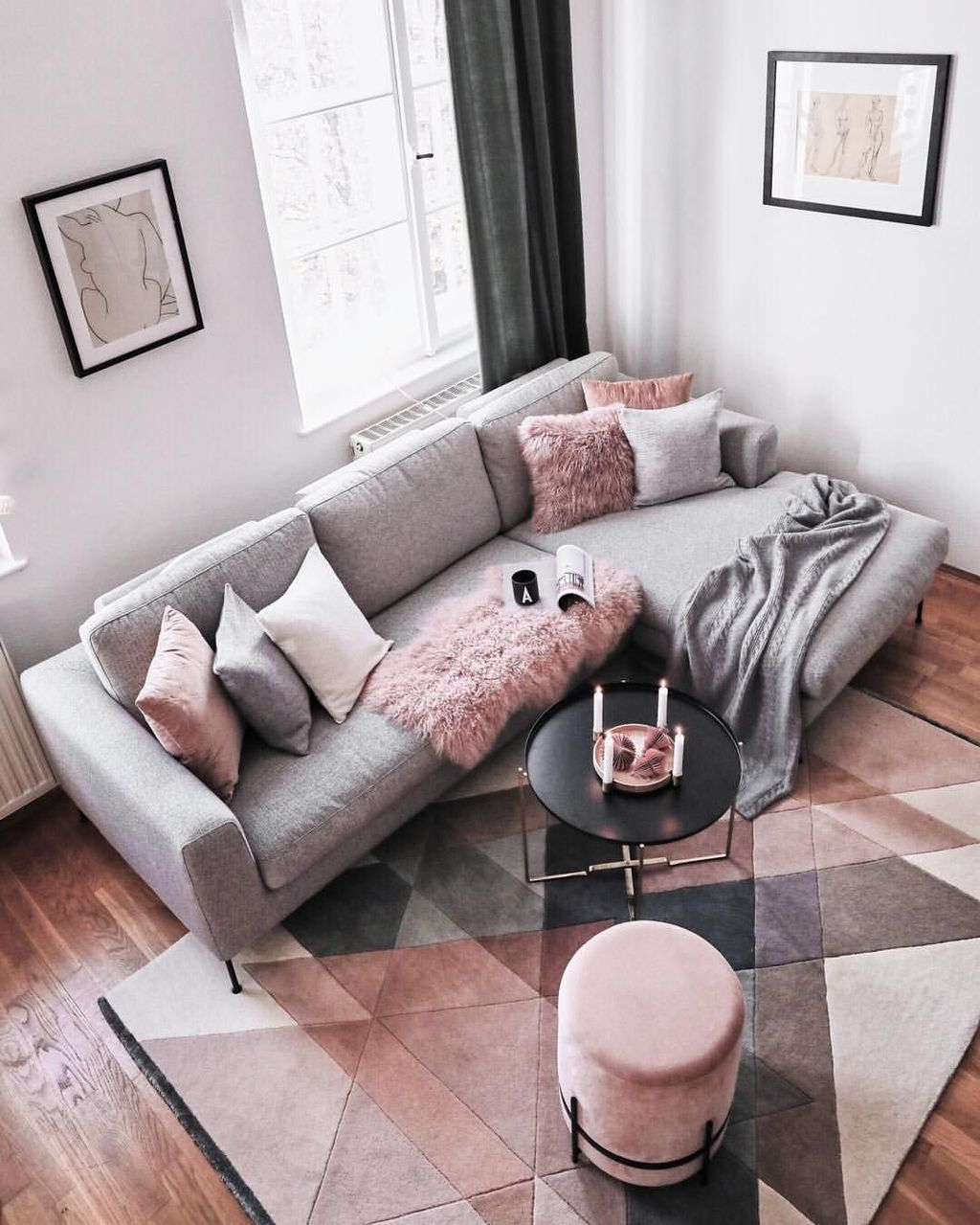 Beautiful Pink Living Room Decor Ideas 11