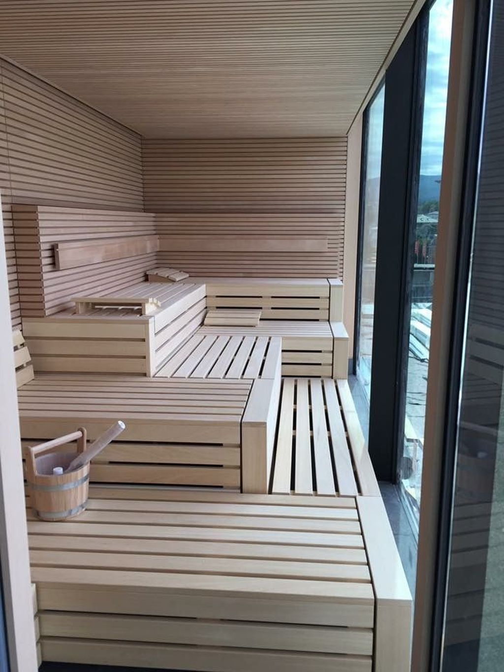 Beautiful Sauna Design Ideas For Your Bathroom 10