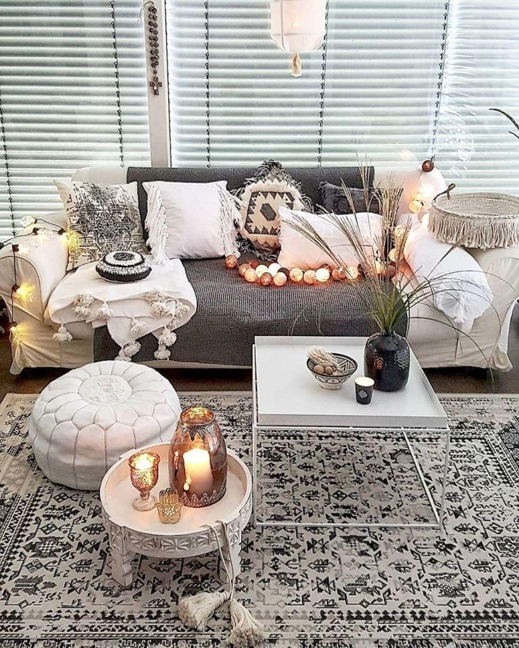 Fabulous Bohemian Living Room Decorating Ideas 11