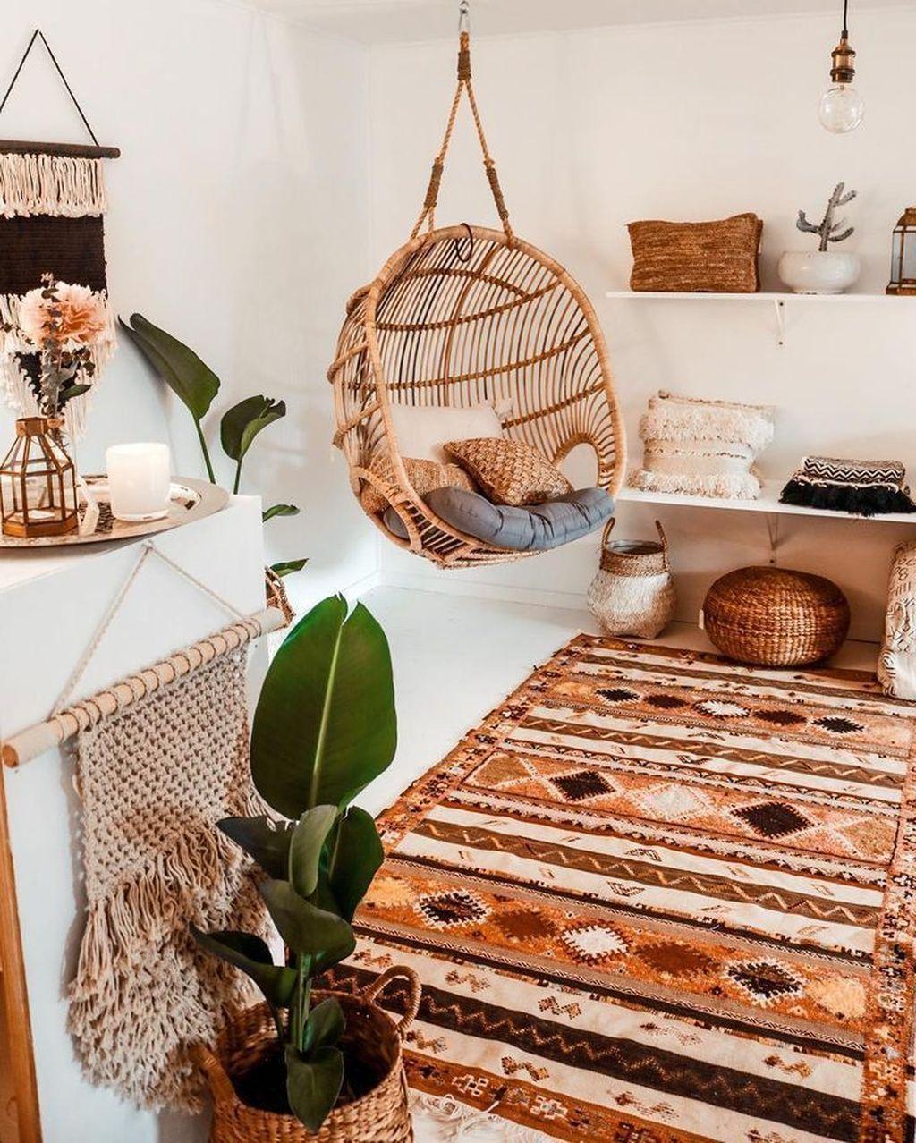 Fabulous Bohemian Living Room Decorating Ideas 32
