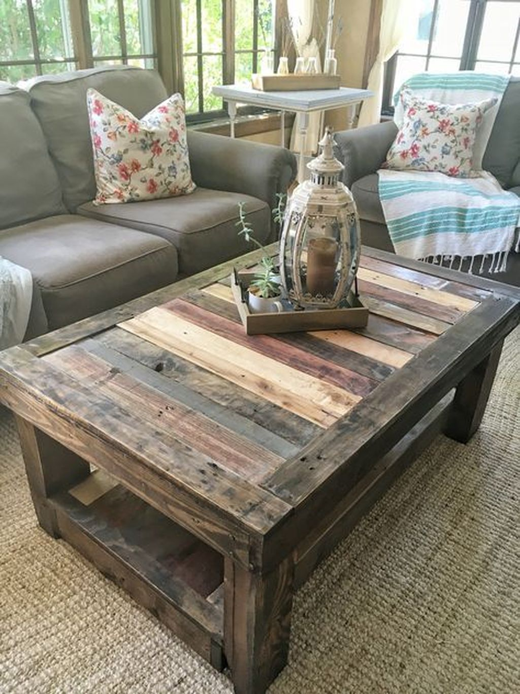 Gorgeous DIY Coffee Table Design Ideas 08