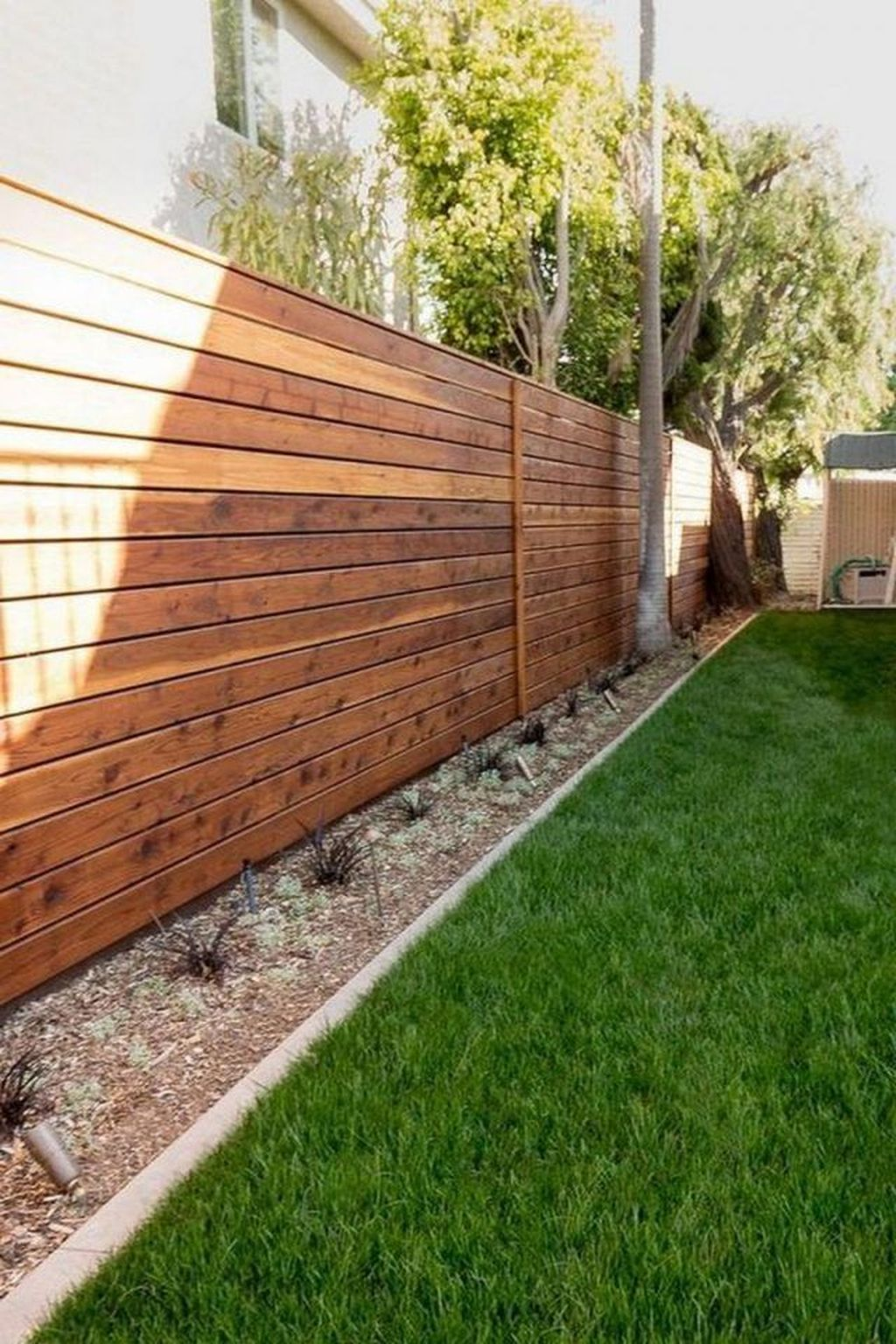 Inspiring Front Yard Fence Design Ideas 28