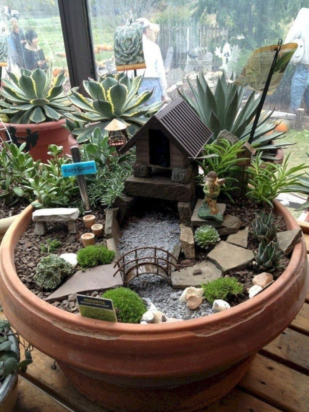 Lovely Beautiful Fairy Garden Design Ideas 06