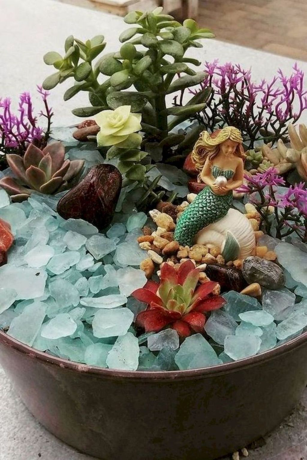 Lovely Beautiful Fairy Garden Design Ideas 25