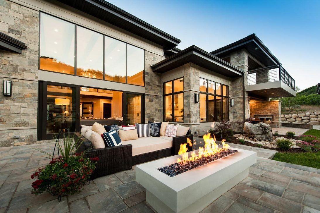 Lovely Modern Home Exterior Design Ideas 03