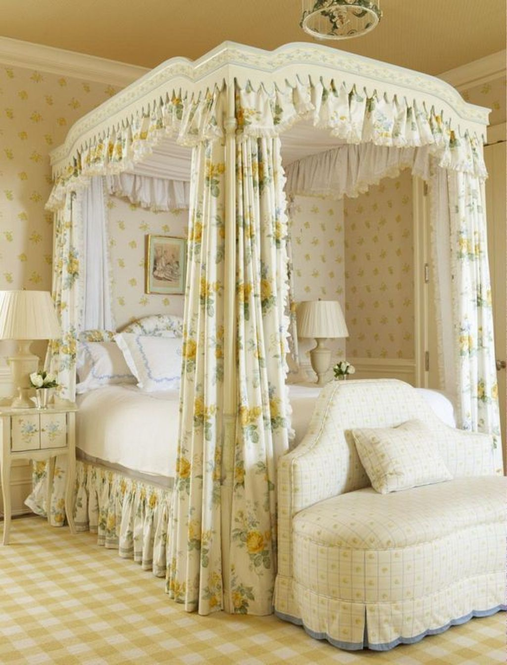 Lovely Romantic Canopy Bed Design Ideas For Your Bedroom 02