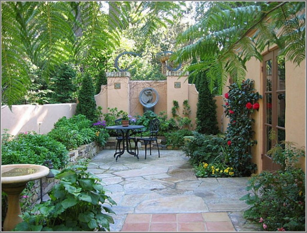Stunning Tiny Garden Design Ideas To Get Beautiful Look 22