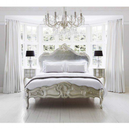 Amazing French Country Bedrooms Design Ideas 04