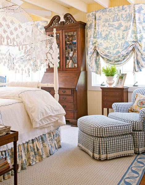 Amazing French Country Bedrooms Design Ideas 15