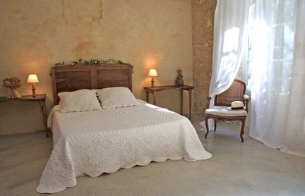 Amazing French Country Bedrooms Design Ideas 21