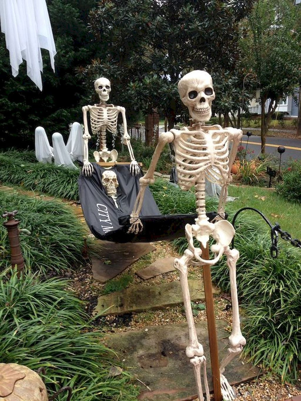 Amazing Halloween Outdoor Decorations Ideas 29